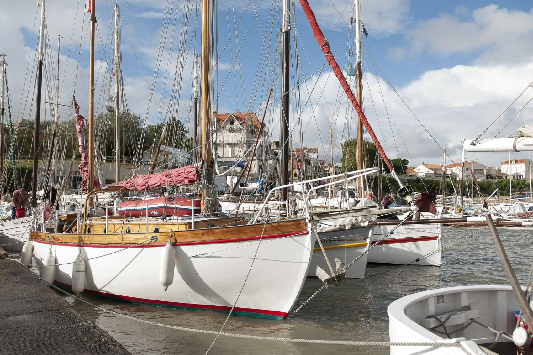 Cerca de las islas de r aix and ol ron grand h tel des for Hotel des bains oleron