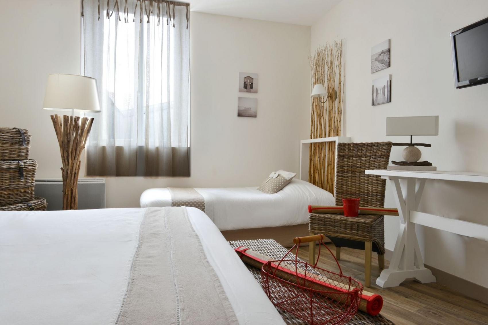 Zimmers fouras charente maritime grand h tel des bains for Hotel fouras grand hotel des bains
